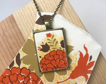 Broken Dishware Necklace - Orange Flower