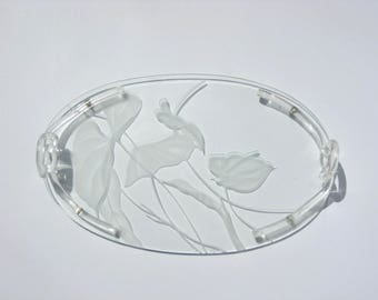 Signed Dorothy Thorpe Etched Glass Tray Lucite Pretzel Knot Handles Mid Century Modern Tropical Anthurium Flamingo Flower Hollywood Regency