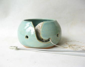 Pottery Yarn Bowl, Knitting Bowl, Ceramic Yarn Bowl