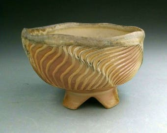WoodFired Flashing Porcelain Tea Bowl Faceted with Linear Design & Thrown , Chasabal 찻사발 / 茶碗 (Chawan)