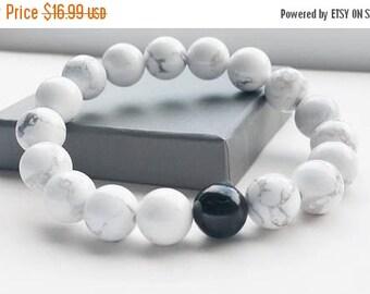 ON-SALE White Howlite Bracelet - Chakra Bracelet, Yoga Bracelet, Gemstone, Semi Preciuos Stone Bracelet, 10mm, Healing Bracelet