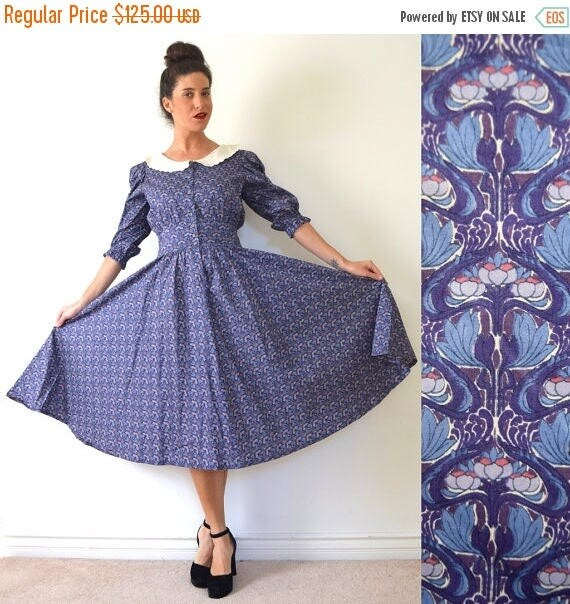 SALE SECTION / 50% off Vintage 90s does 50s Lotus Blossom Blue Cotton New Look Shirt Waist Dress with Scalloped Linen Collar (size medium, l