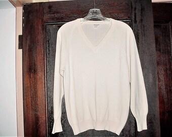 Vintage 70s Oleg Cassini Cream Thin Knit Pullover Sweater Mens M Wool Blend Burma