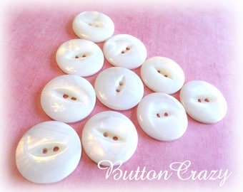 10 Creamy White Vintage Pearl Fish Eye Cat Eye 7/8 Inch Buttons from Muscatine Iowa