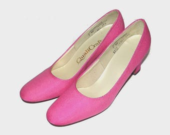 1960s shoes / vintage 60s heels / 7 Narrow / Classic Pink Heels