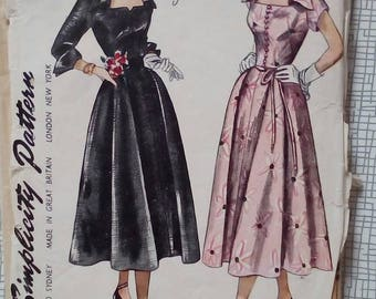 "1950s Dress - 30"" Bust - Simplicity 3140 - Vintage Sewing Pattern"