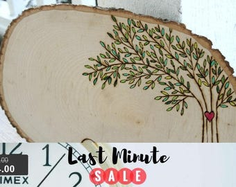 Guest Book Sale! Wedding Guest Book Alternative - Woodburned Tree Slice - Can be personalized
