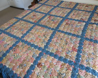 Vintage yo yo quilt with skirt- nice condition-hand made