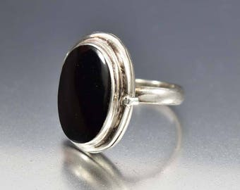 Sterling Silver Black Onyx Ring | Locket Ring | Vintage Poison Ring | Secret Compartment Ring | Modernist Jewelry | Gothic Ring Novelty Gift