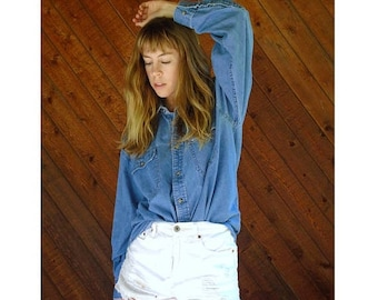 20% off SUMMER SALE. . . Oversized Denim Button Down Shirt - Vintage 90s - XL