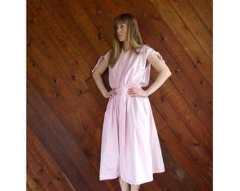 20% off SUMMER SALE. . . Salmon Pink Button Down Day Dress - Vintage 70s/80s - SMALL
