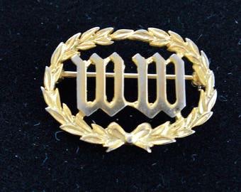"""Monogram """"WW"""" Pin, Gold tone, Vintage (AG1)"""