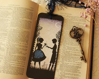 Bookmark featuring Miss Shadow - waiting for you