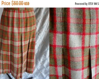 """ON SALE 50s 60s Skirt // Vintage 1950's 1960's Olive and Red Plaid Wool Skirt Size L 32"""" waist Fashioned by Lorena Maddox"""