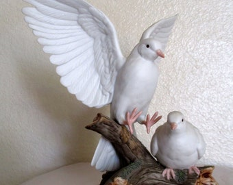 Vintage White Doves Figurines by HOMCO 1985 Masterpiece Porcelain Two Birds by Home Interiors