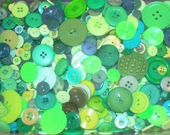 Bulk Lot, 500 Green  Buttons, Lot GRN1 (Free US Shipping)