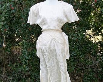 SALE 80s Ivory Flutter Sleeve Dress size Small Medium Bustle Style Dancing Dress Wedding Midi