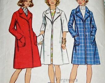 "Vintage 1970s Sewing Pattern, Simplicity 5526, Misses' Coat, Misses' Size 12, Bust 34"""