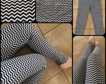 El Camino (The Path) Leggings - Ethnic Geometry Leggings - Black and white - Small