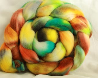 Hand painted/dyed fine merino spinning roving (4.1 oz- 115 grams) #156 free ornament with every purchase