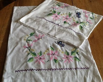 Sale Vintage Embroidered Pillowcases