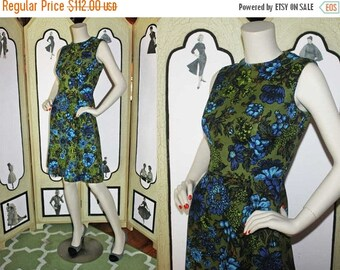 Summer Sale 20% Off 1960's A-Line Dress in Olive Green and Blue Floral Print. STUNNING. Small
