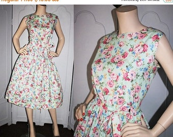 ON SALE Vintage 1980's Dress. 1960's Inspired Floral Cotton Summer Dress. New with Tags. Carolina Maid. 16 Petite. XL Xxl.