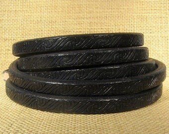Regaliz Licorice Leather - Embossed Black - Choose Your Length