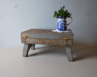 Vintage wood gray step stool Shabby style gray wooden bench