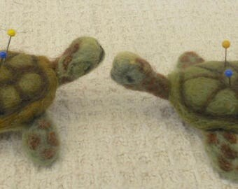 Felted sea turtle , Needle felted turtle, Felted Pin Cushion, Sea Turtle Ornament, Sewing gift, Needles and Pins