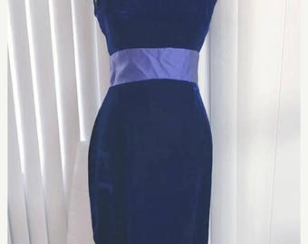 40% OFF Christmas in July Gorgeous Vintage Blue Velvet Evening Gown -- 1960's Glamor -- Size M