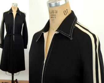 Butte Knit dress black white zip front dress 1970s dress long sleeved mod dress Size  M/L