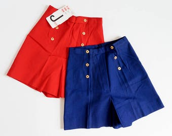 "Vintage 1960s Girls Size 6 Skort / High Waisted Red Nautical Pant Skirt Deadstock / w22"" rise13"" / Gold Anchor Buttons"