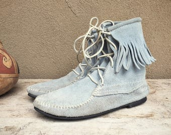 Vintage light blue gray suede Women's Size 10 Minnetonka moccasin boot hard sole with fringe