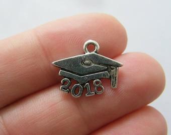 10 Graduation cap 2018 charms silver tone PT77