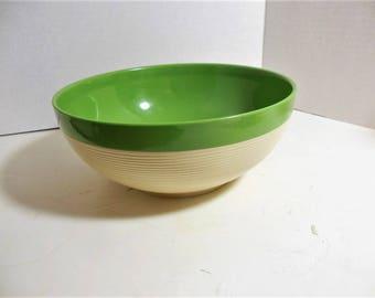Vintage Raffiaware Thermo Temp Large Bowl, Green / Cream