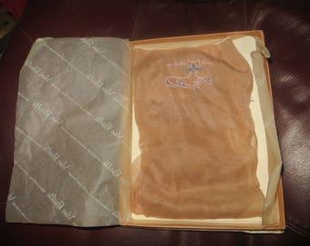 Vintage Van Raalte Nines Nylon Seamed Stockings Size medium 9