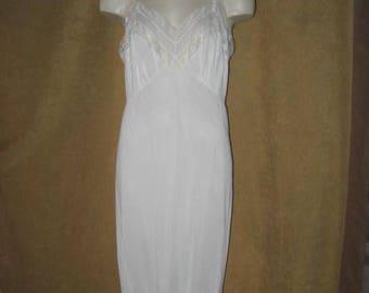 """Vanity Fair Full Slip Lace White 37"""" 50s 60s Vintage"""