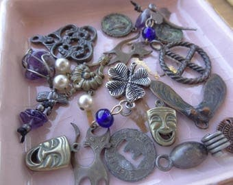 Vintage Jewelry Lot, Vintage Destash, Jewelry Destash. Costume Jewelry Lots. Tiny Findings, Unique Metal Parts, D49