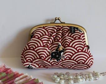 White & red metal frame coin purse - Maneki