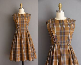 60s brown plaid baby doll vintage dress. 60s vintage dress