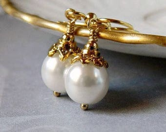 Simple Pearl Bridesmaid Earrings White Pearl Earrings Gold Bridal Earrings Pearl Drops White Dangles Ivory Drops Wedding Bridesmaid Jewelry