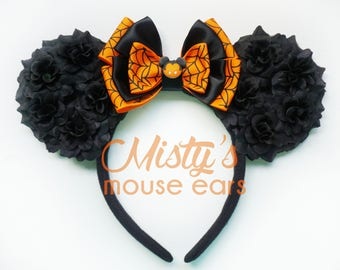 Limited Mickeys Not SO Scary Halloween Vampire Mickey Rose Mouse Ears