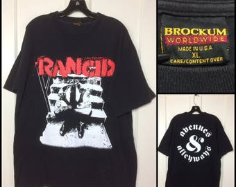 Rancid 1995 and out comes the wolves avenues and alleyways t-shirt size XL brockum label made in USA 90s punk