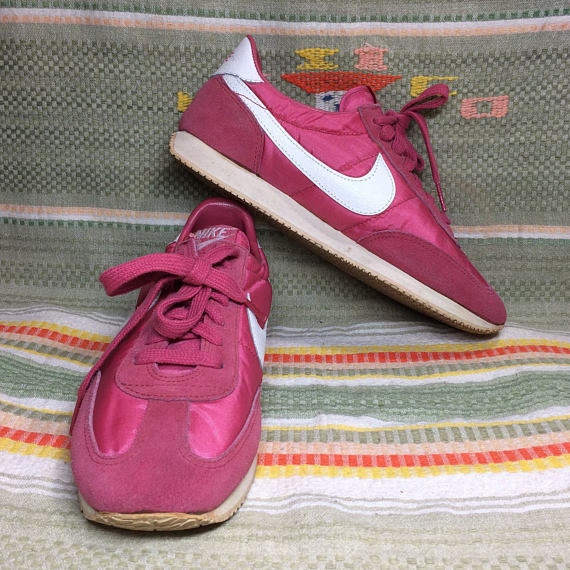 womens 1983 Nike pink Olivia Oceania Sneakers size 10