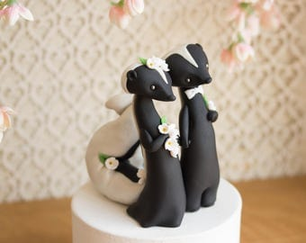 Skunk Wedding Cake Topper by Bonjour Poupette