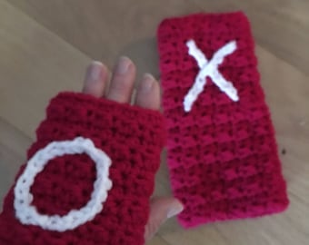 Handwarmers....Fingerless Gloves....with a Kiss and A Hug...White and Red