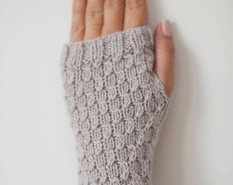 Handmade Chic Gloves, Fingerless Gloves,  Wristwarmers, Handwarmers  Mittens - Wool Blend -  in OATMEAL color and HONEYCOMB design