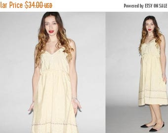 On SALE 35% Off - Vintage 1970s Dress - Vintage 70s Floral  Dress - The  Sweet Butter  Dress - 1080