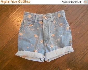 ON SALE NOW High Waisted Denim Shorts / Jordache Daisy Duke Cutoffs / Faded Cut Off Shorts / Pink Embroidery 4 6
